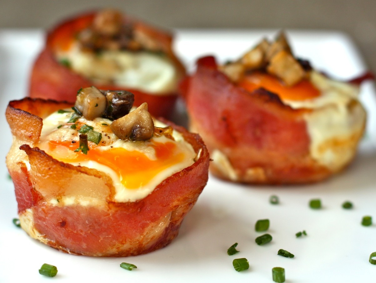 bacon and egg cups with cremini mushrooms