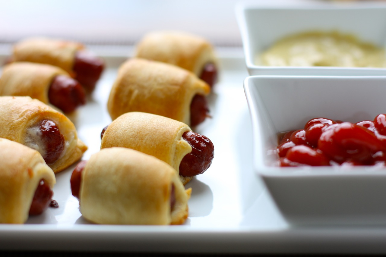 my latest guilty pleasure: pigs in a blanket | daisy's world