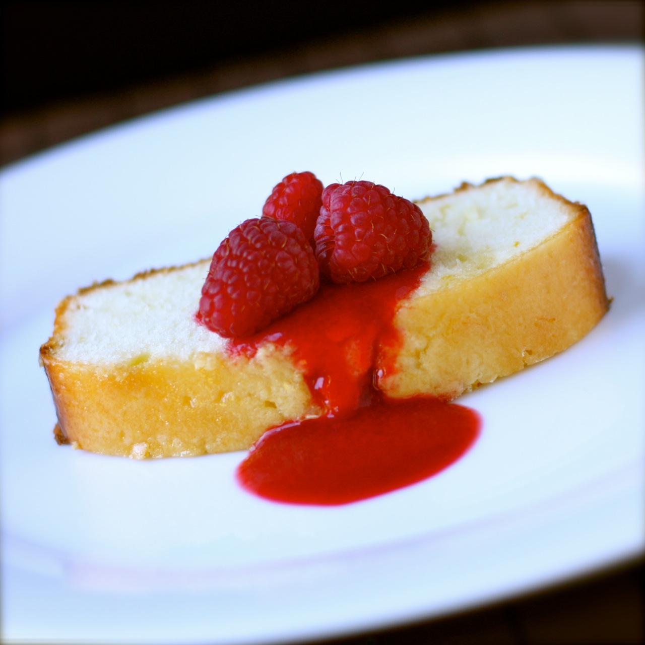 Cold Oven Lemon Sour Cream Pound Cake With Raspberry Sauce