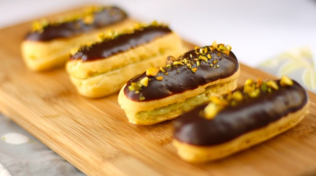 P 226 Te 224 Choux 233 Clairs And Cream Puffs Filled With