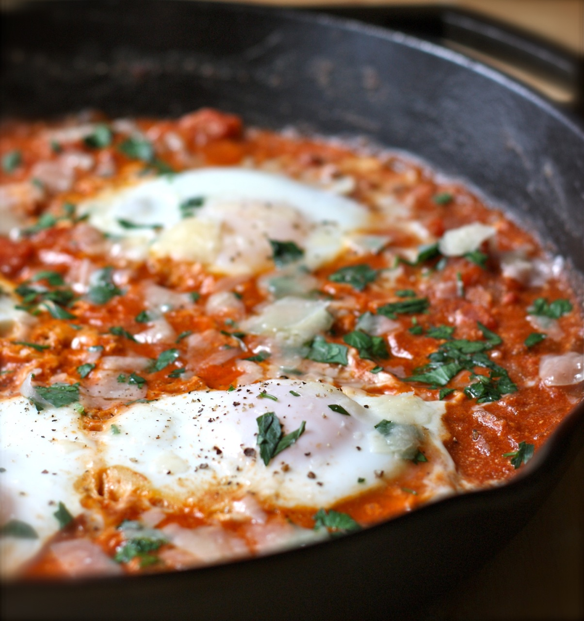 eggs poached in chunky tomato sauce | daisy's world