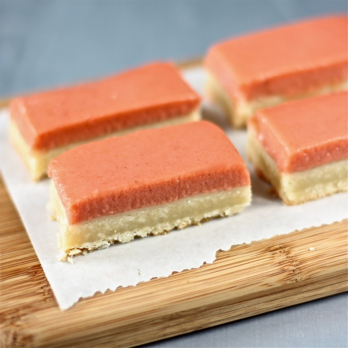 rhubarb-vanilla bean shortbread bars | daisy's world