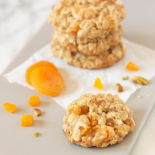 Apricot Pistachio Oatmeal Cookies