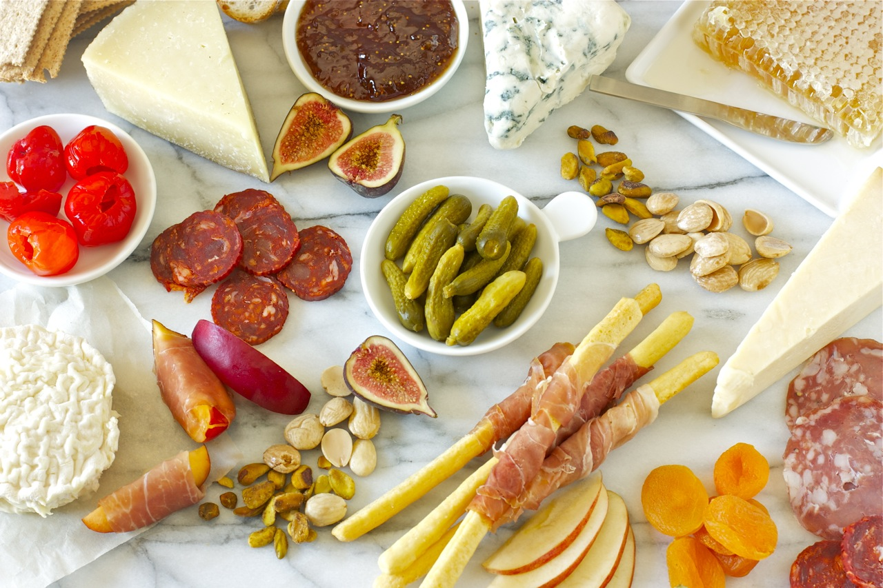 Tips on how to put together a Cheese and Charcuterie Board & cheese and charcuterie board | daisy\u0027s world