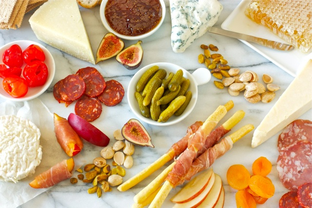 Tips on how to put together a Cheese and Charcuterie Board